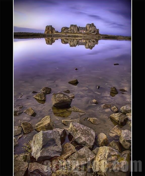 La maison entre les deux rochers - Maison entre deux rochers ...